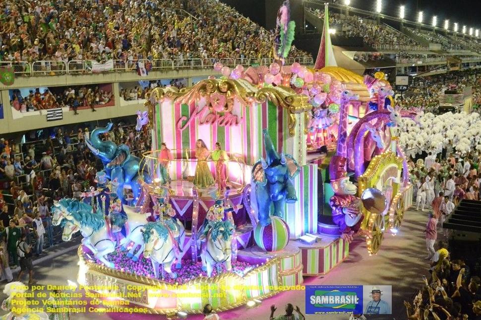 Desfile da Mangueira 2016 - Por Daniely Fontenele - Agência Sambrasil Comunicações