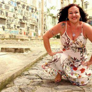 "Adriana Passos leva seu ""Sal do Samba"" para o Teatro Rival"