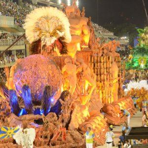Relatório recomenda transferir a gestão do carnaval para a Secretaria de Cultura