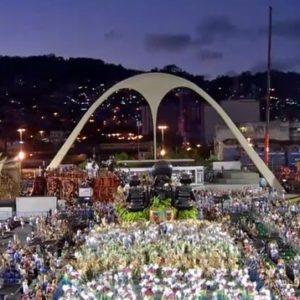 PREFEITURA DO RIO DISTRIBUI INGRESSOS PARA O SETOR 13 DO SAMBÓDROMO PARA PESSOAS COM DEFICIÊNCIA