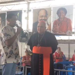 Cacique de Ramos recebe a imagem peregrina de São Sebastião, durante a Trezena de São Sebastião