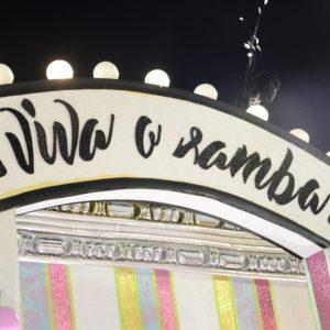 MANGUEIRA, SEGUNDA ESCOLA A PISAR NA AVENIDA na noite das campeãs