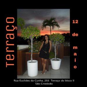 Cantora Hanna Cagy promove o evento Terraço, uma roda de samba para lá de especial
