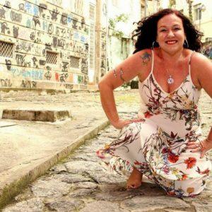 Adriana Passos lança CD 'Sal do Samba' em dezembro