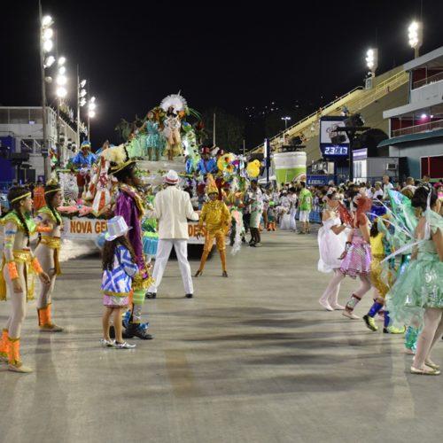15_desfiledasescolasmirins_novageraçaodoestaciodesa_ compactada_porjorjebezerra_25fev2020 (1)