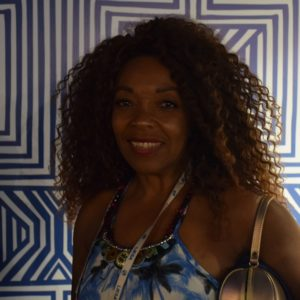 Sambista Nilce Fran é destaque no Camarote da Portela e na Intendente Magalhães